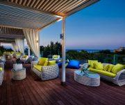 Lounge bar pe acoperiș