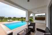 Villa suite cu piscină privată