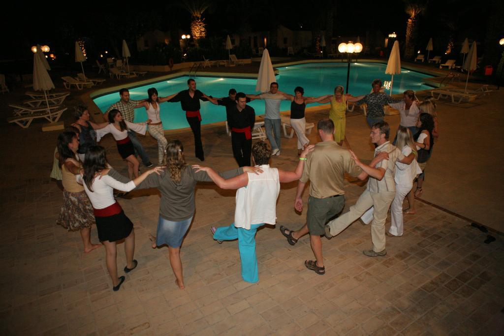 Dansuri grecești