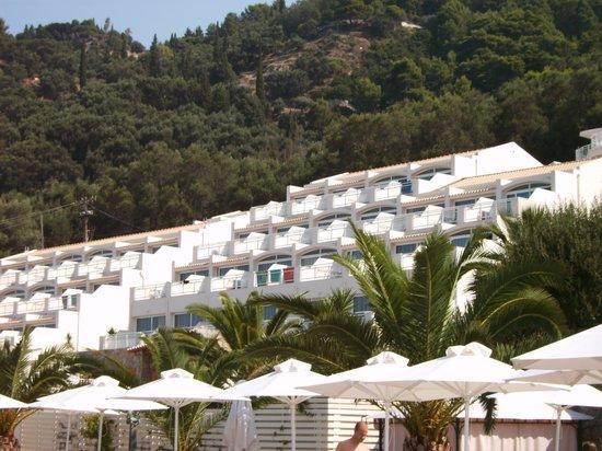 Vedere hotel de pe plajă