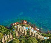 Waterfront villas palazzos