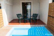 Cameră standard cu piscină