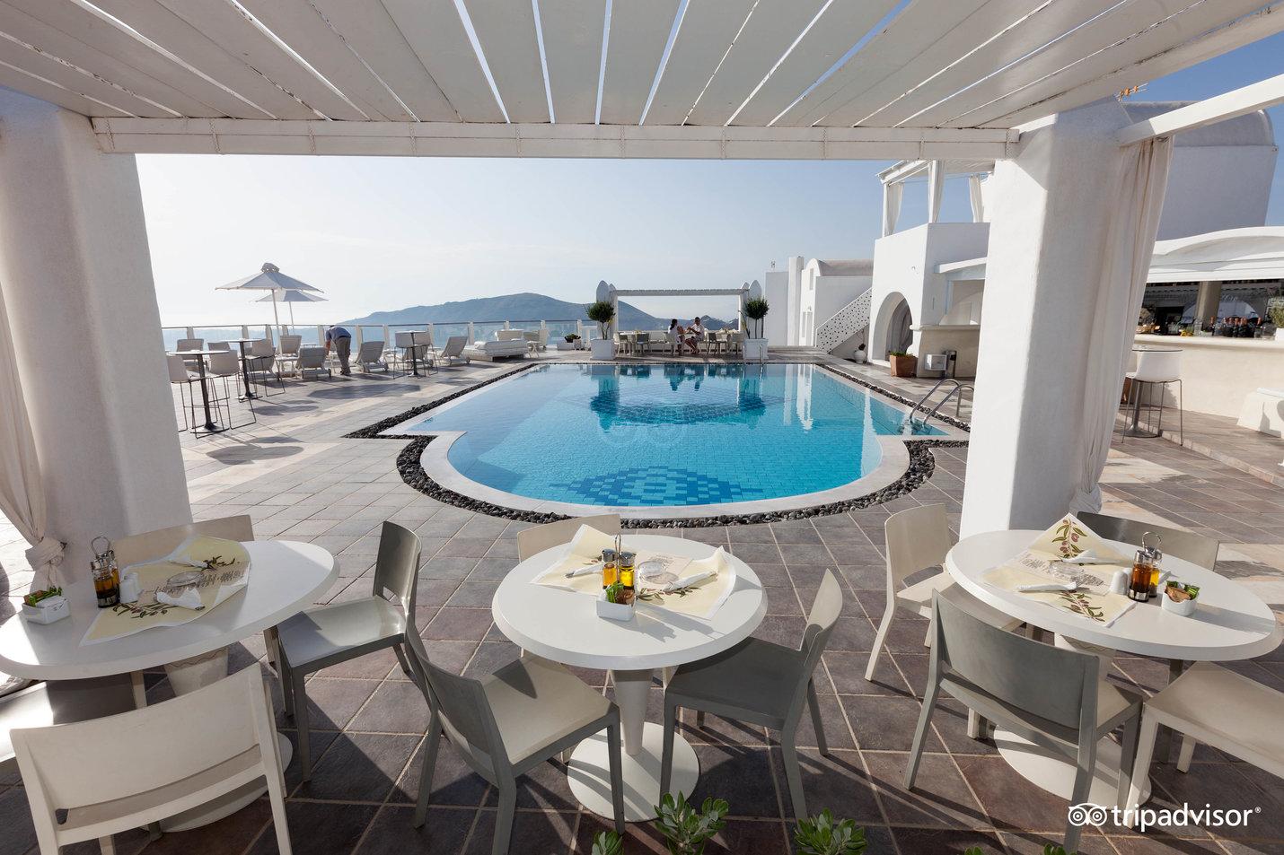 Bar piscină & lounge