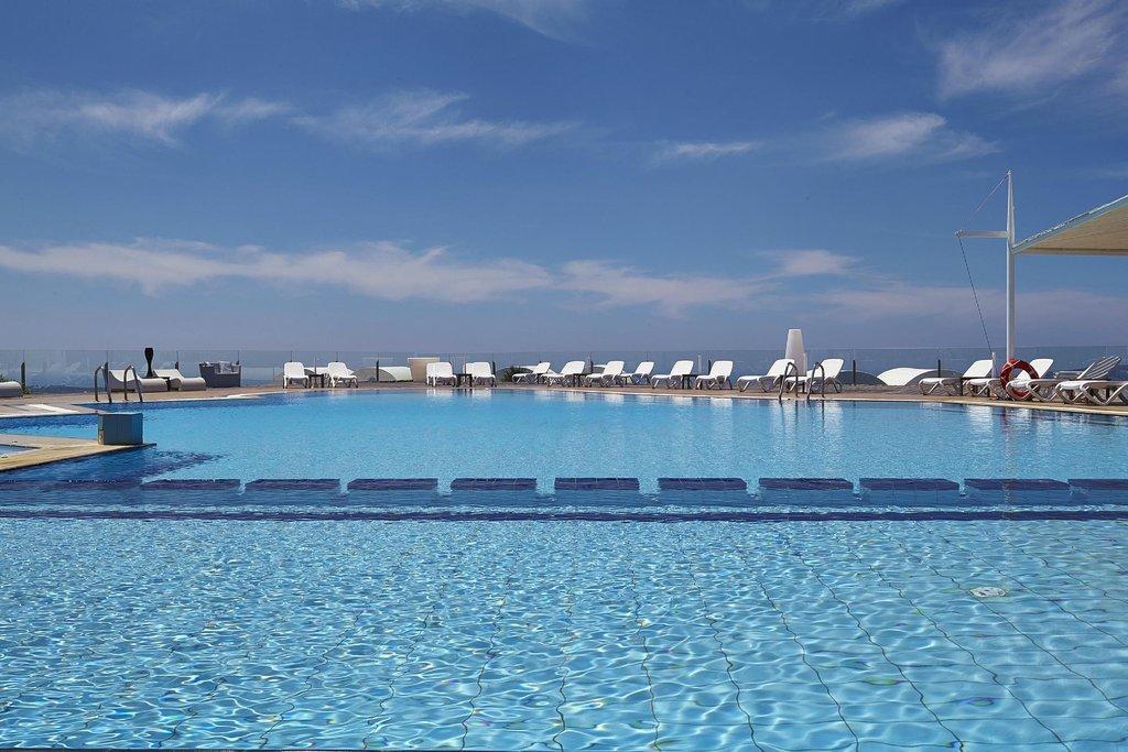 Orizontes hotel piscină