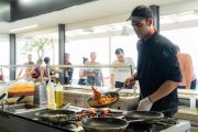 Paralia restaurant show